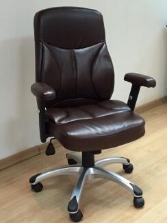כסא מדגם רוני בצבע חום
