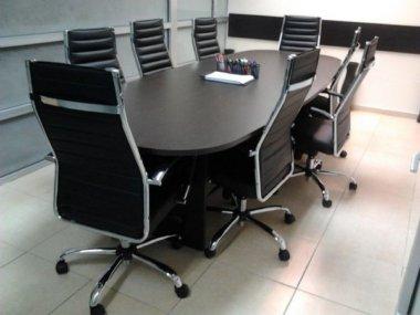 שולחן ישיבות אובלי וונגה