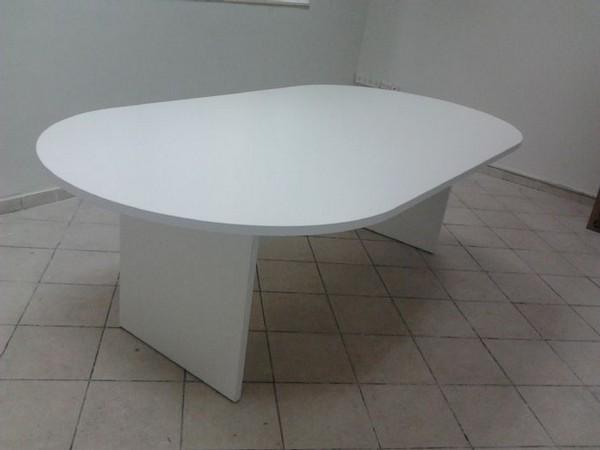 שולחן ישיבות אובלי לבן
