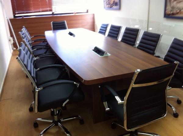 """שולחן ישיבות 240 פלטה בעובי 48 מ""""מ"""