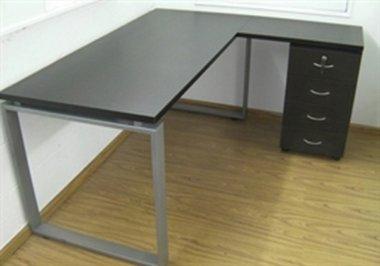 שולחן משרדי מתכת ועץ