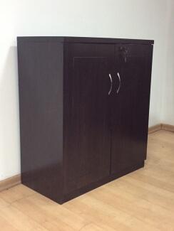 ארון משרדי מדגם 8040 בצבע וונגה