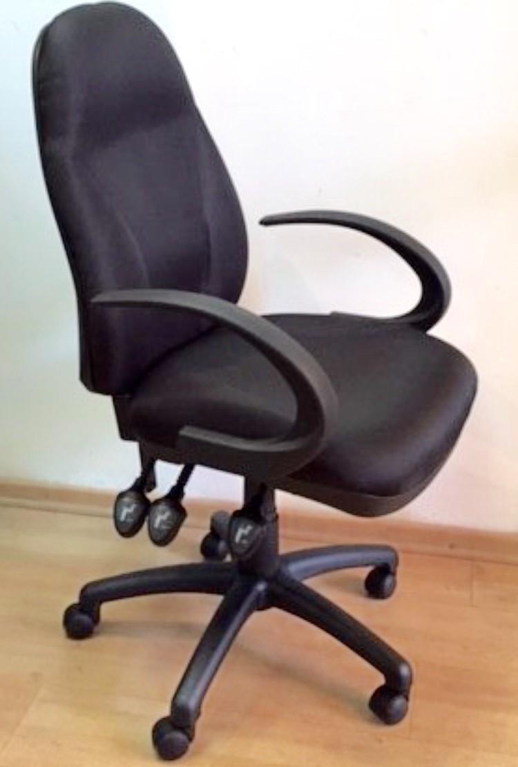 כסא שחור מדגם גל