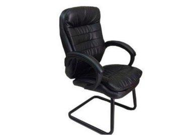 כסא אורח מדגם מגה עם ידיות