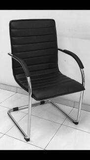 כיסא למשרד מדגם רן מרופד