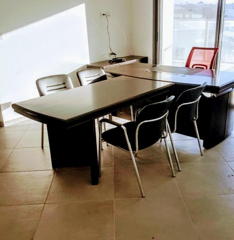 שולחן מנהל דגם A-06 כולל T שולחן ישיבות