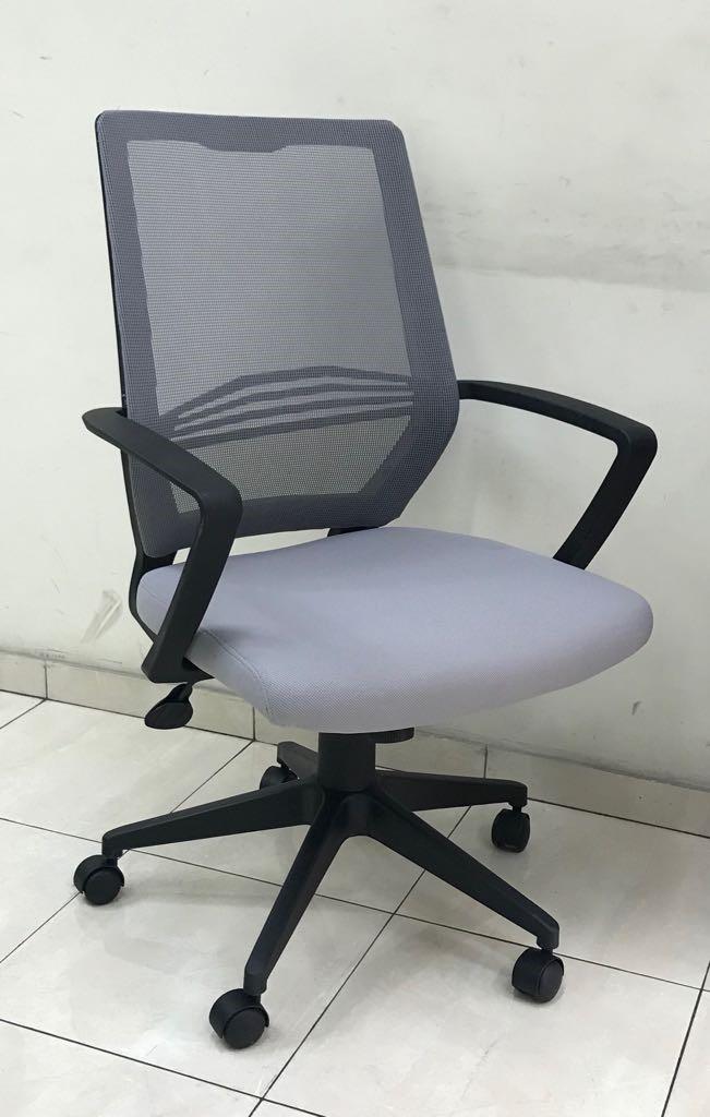 """כסא דגם """"לירון"""""""
