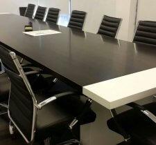שולחן משרדי - שולחן ישיבות שחור