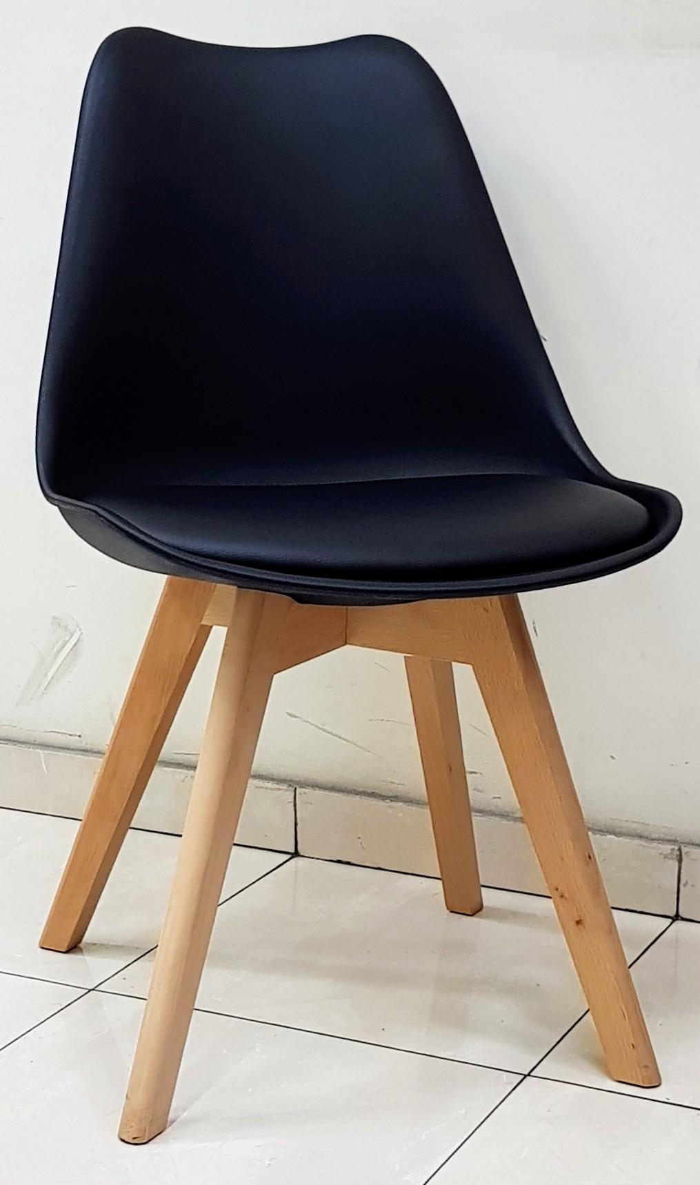 """כסא דגם """"שקד"""" שחור"""
