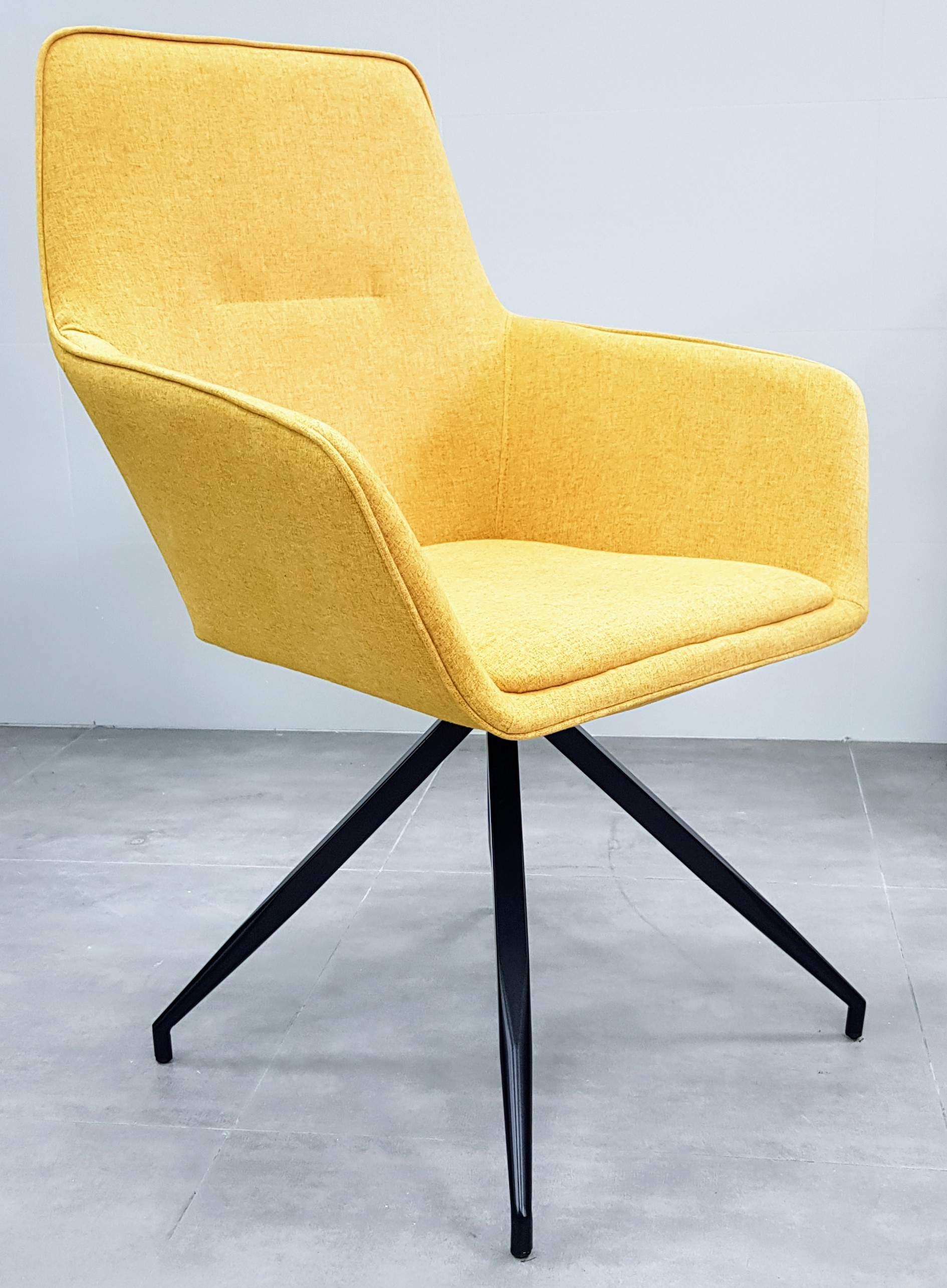 """כסא אורח דגם """"נאפולי"""" צהוב"""