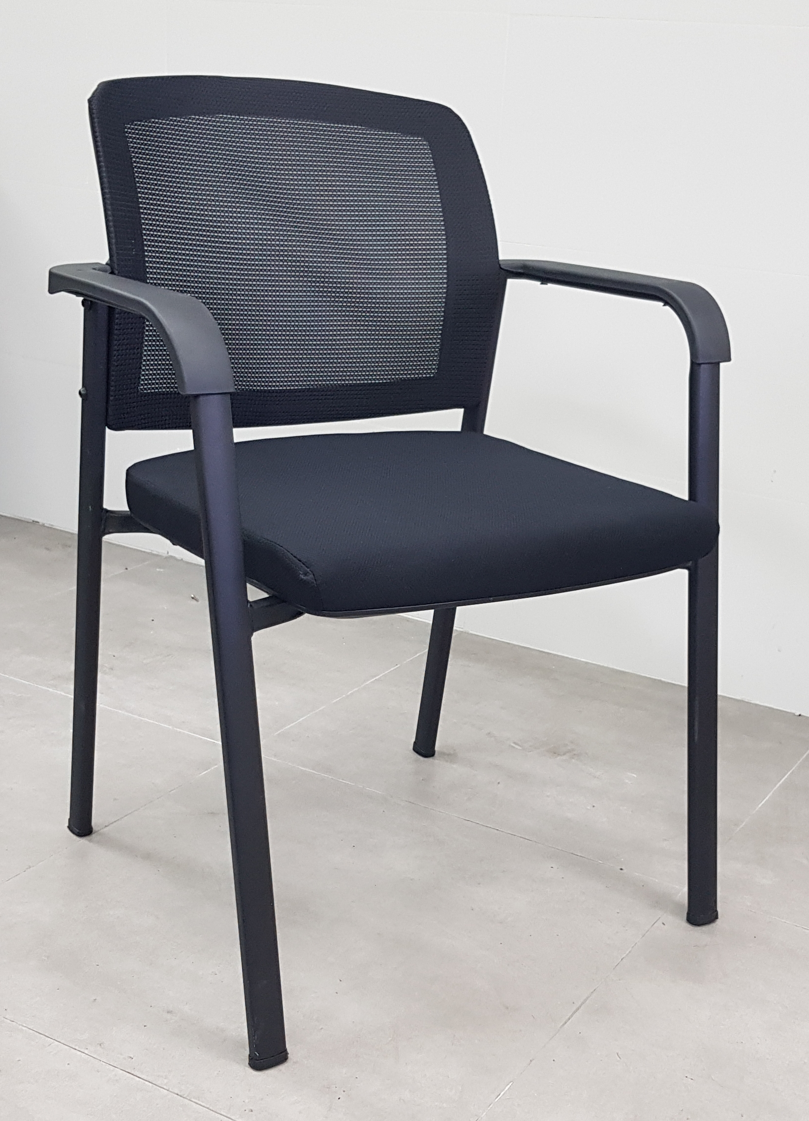 כסא דגם טל