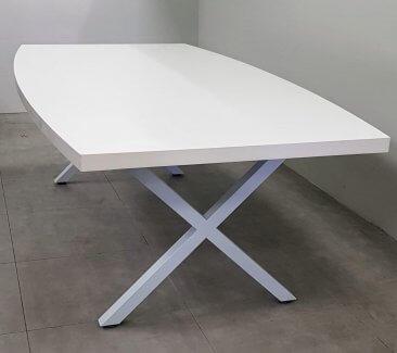 שולחן ישיבות אובלי 240 אובלי לבן רגל איקס לבן