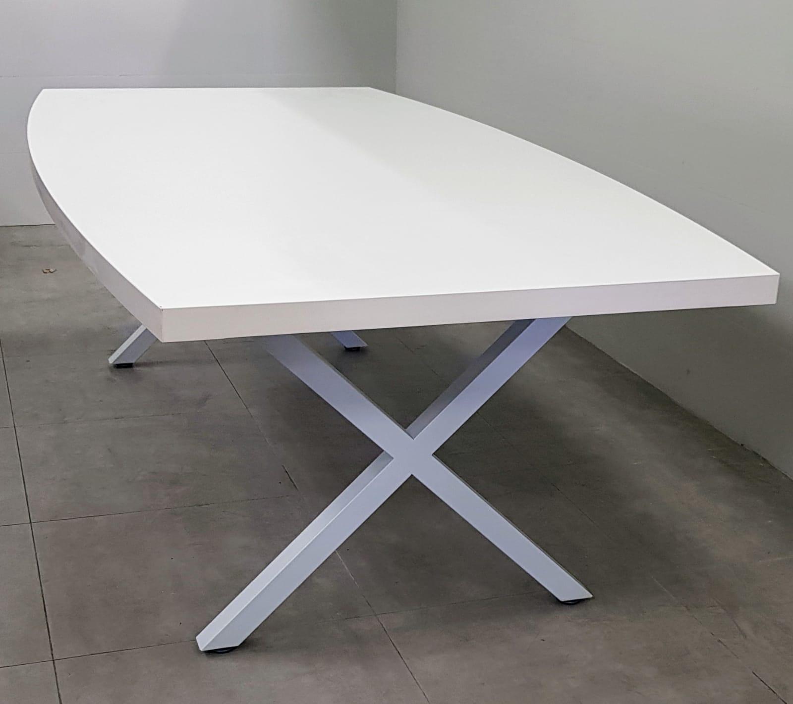 שולחן ישיבות אובלי 200X100 / 240X120 בצבע לבן רגל לבן