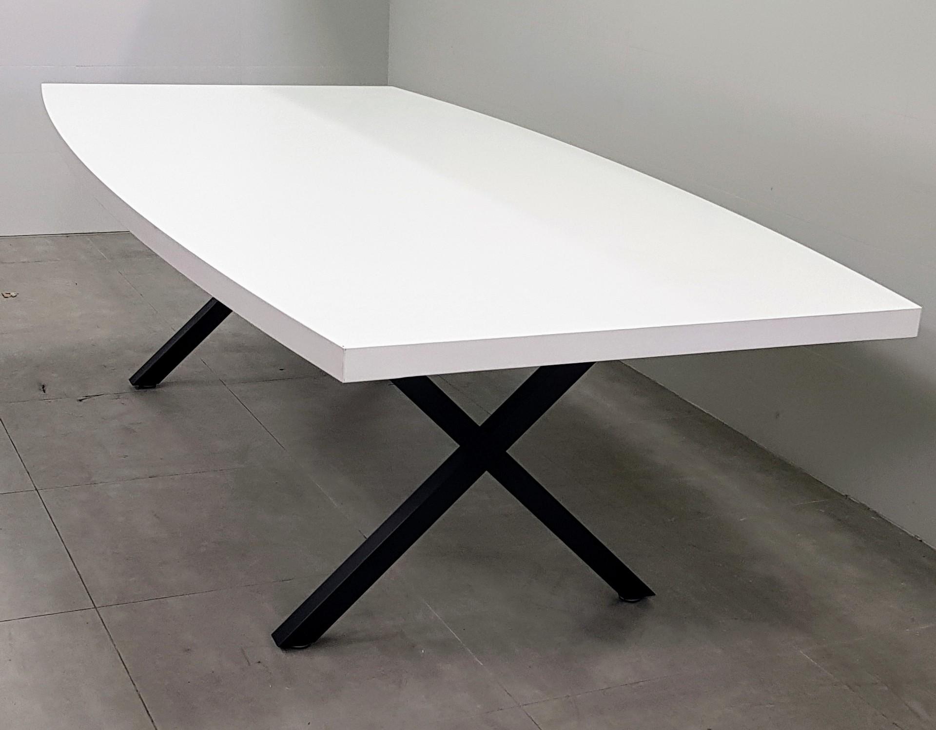 שולחן ישיבות אובלי 240X120 / 200X100 בצבע לבן רגל שחור