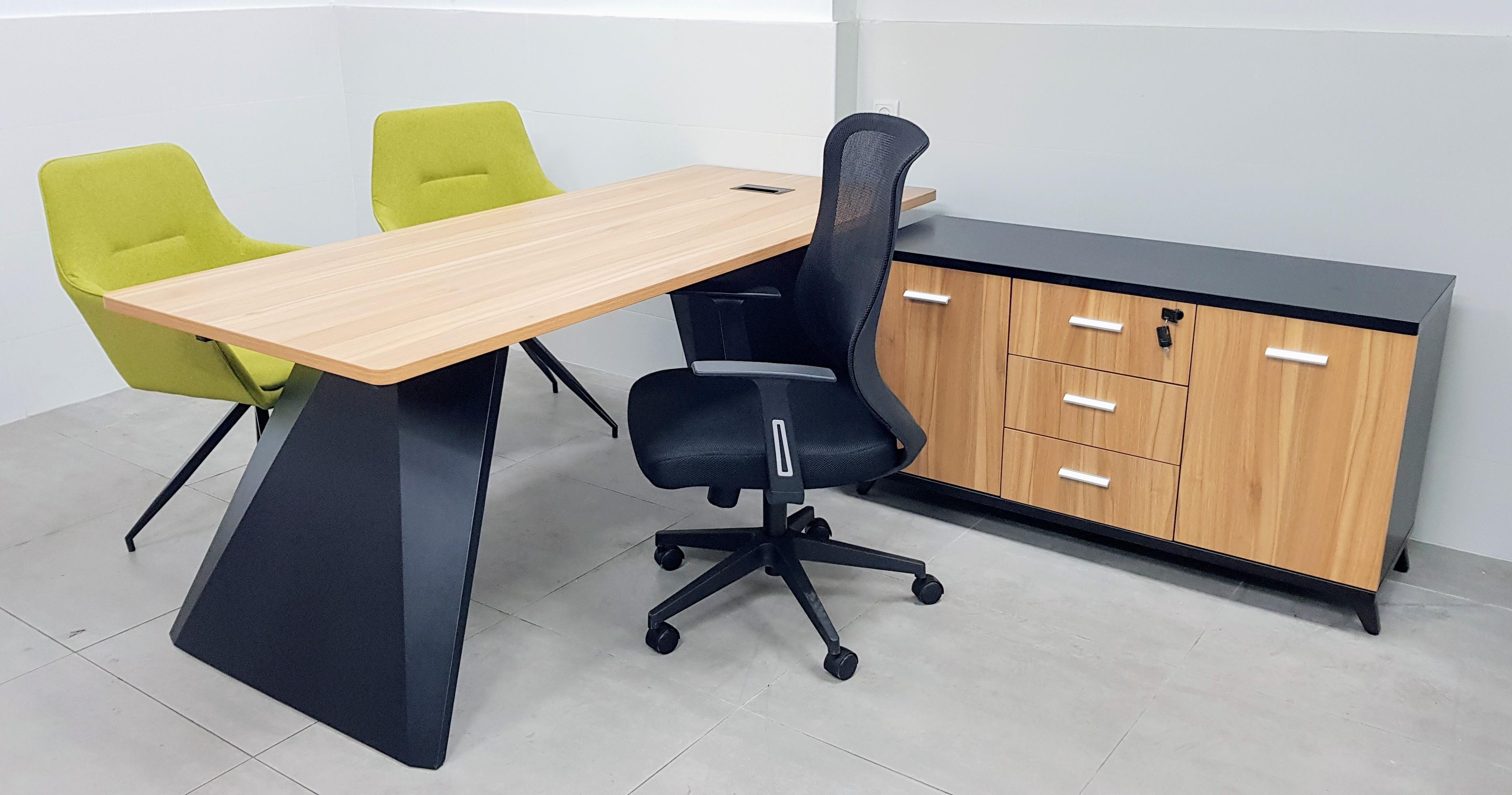 שולחן מנהל 180X80 / 200X80 רגל מתכת סטינג צבע אלון שחור
