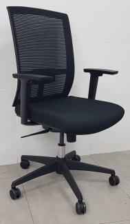 כסא דגם נוית גב רשת ידיות מתכוננות