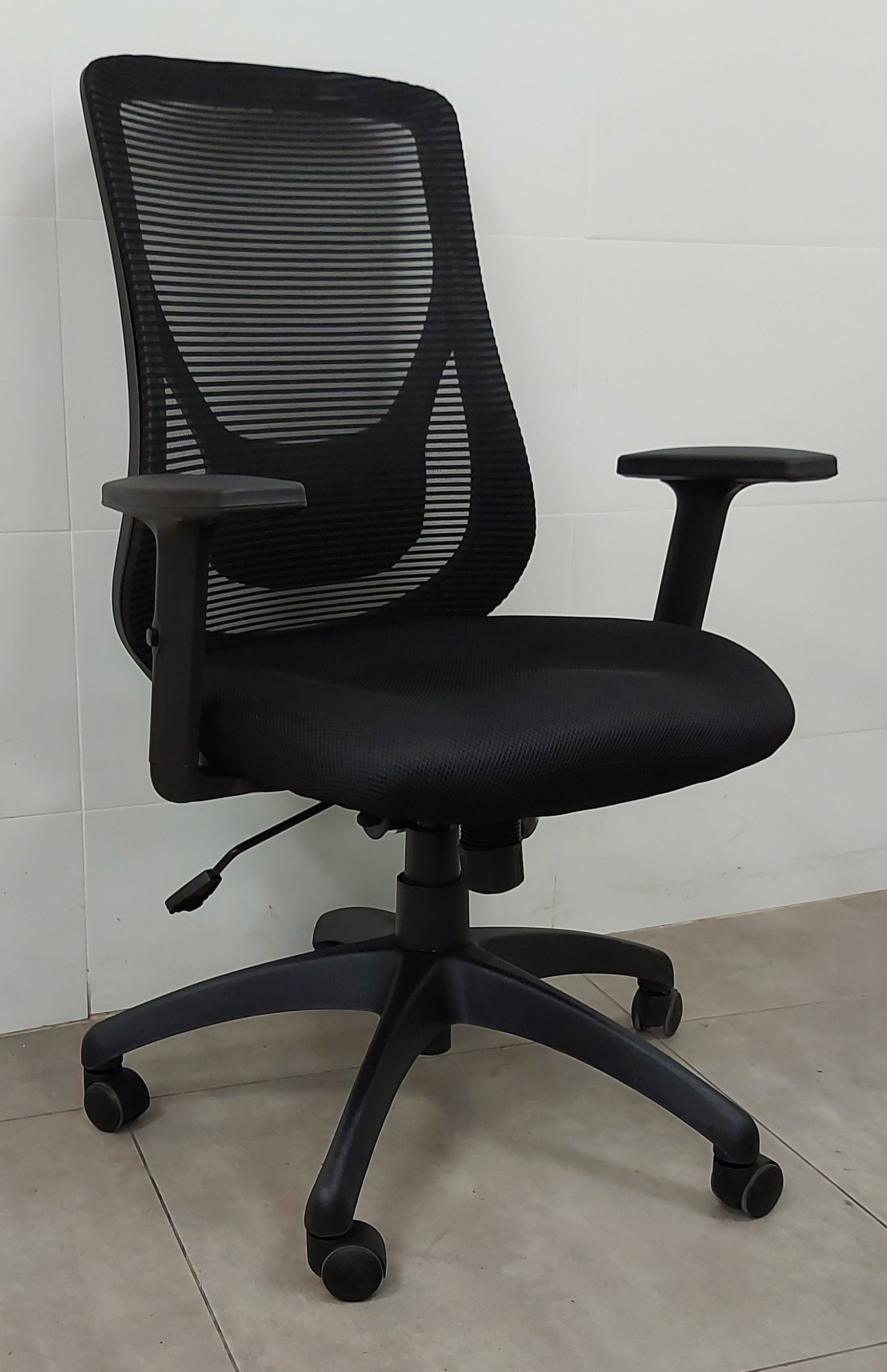 """כסא דגם """"רונית"""" גב רשת"""