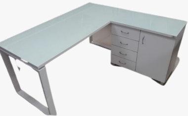 שולחן פלזמה שלוחה וארון דלת