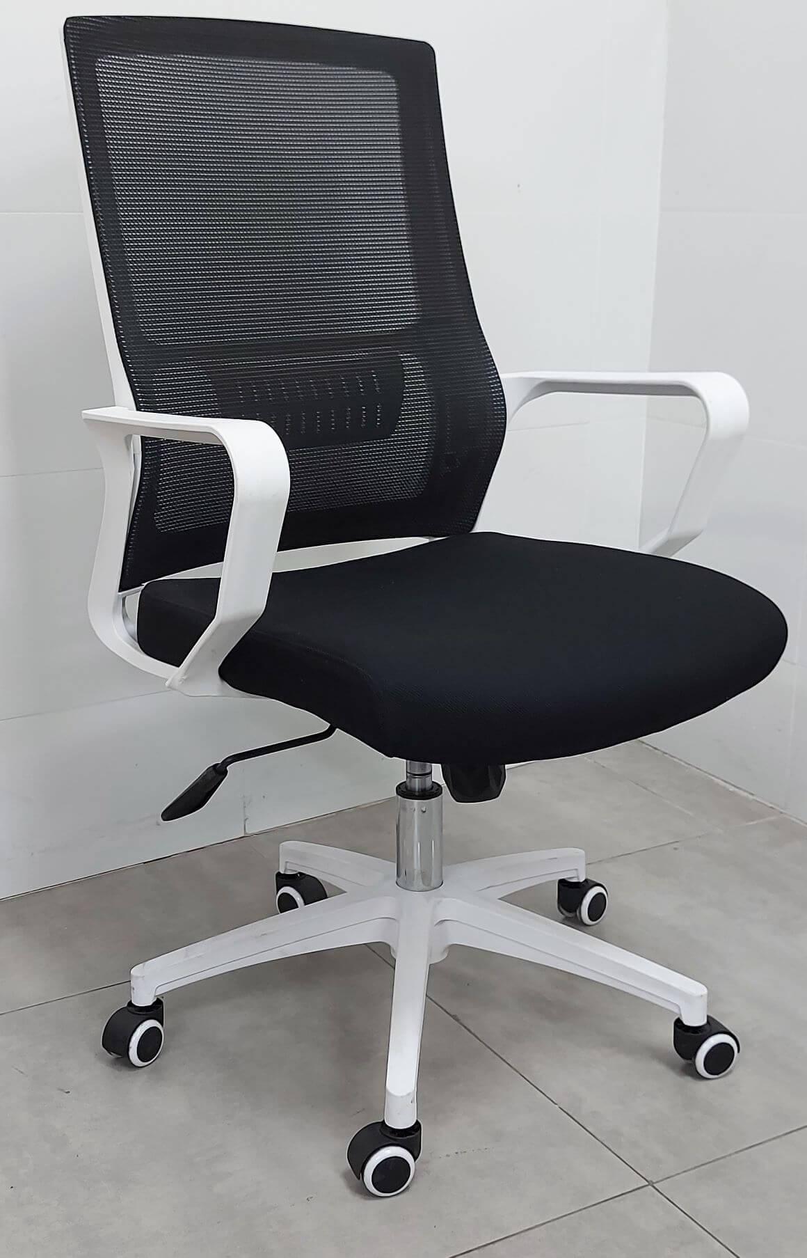 כסא דגם דורון