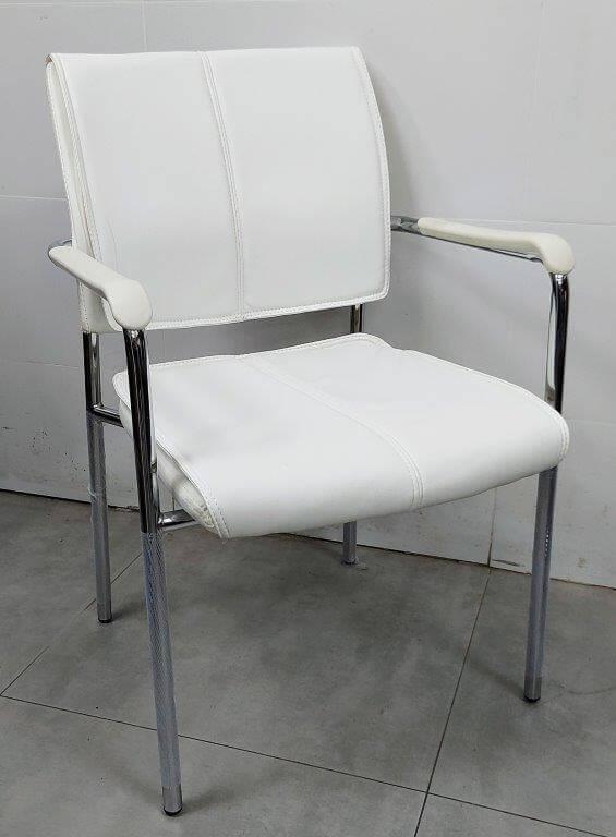 """כסא דגם """"עדן"""" דמוי עור לבן"""